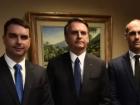 Jair Bolsonaro e seus filhos