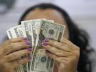 No encerramento dos negócios, o dólar à vista terminou com alta de 0,28%, cotado em R$ 5,3352