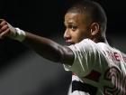 Brenner comemora gol na vitória do São Paulo sobre o Goiás