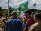 O presidente Jair Bolsonaro, durante manifestação contra o Congresso e a favor da intervencao militar em frente ao Quartel General do Exército em Brasília