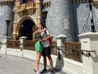 O empresário Richard Neuman pediu a humorista Dani Calabresa em casamento durante as férias na Disney