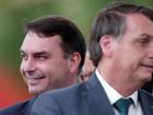 O senador Flávio Bolsonaro e o pai, o presidente Jair Bolsonaro, em Brasília