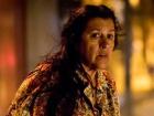 Lurdes, a personagem de Regina Casé, sonha em reencontrar um de seus filhos, que foi vendido por seu ex-marido ainda jovem