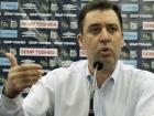 Se a chapa de Teixeira tem o apoio de Modesto, presidente de saída do Santos, a outra chapa tem o apoio de José Carlos Peres, recém-eleito para comandar o clube no período entre 2018 a 2020.