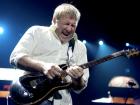 Ainda de acordo com algumas informações recentes, o baterista Neil Peart não tem interesse em retornar à estrada e muito menos aos estúdios de gravação devido a um problema crônico de tendinite