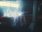 """O filme, chamado """"Trovão"""", explora o simbolismo do carro em um clima cercado de suspense e alta voltagem"""