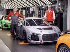 O modelo GT4 é um sucesso mundial de vendas e, como nenhum outro carro de corrida da marca
