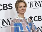 A atriz Cynthia Nixon, conhecida por interpretar a personagem Miranda da série Sex And The City, anunciou que será candidata ao governo do Estado de Nova York, nos Estados Unidos, nesta segunda-feira, 19