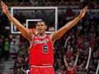 O Bulls é apenas o 12º colocado da Conferência Leste, com 24 vitórias e 46 derrotas - e somente os oito primeiros avançam aos playoffs