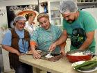 A Cozinha Experimental do Comper, localizada no Hipercenter Jardim dos Estados, é voltada para donas de casa, profissionais da gastronomia, pessoas que cozinham para ganhar um dinheiro e assim aumentar suas rendas familiares e o público em geral