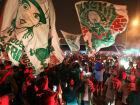Milhares de torcedores do Palmeiras se concentraram em frente ao Hotel Pullmann, perto do aeroporto de Guarulhos, para apoiar o time no embarque para o jogo da Libertadores, na Argentina