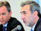 Os relatores Edison Lanza, da ONU (ao microfone), e David Kaye, da OEA, enviaram informes ao governo brasileiro