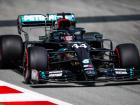 Lewis Hamilton pilota Mercedes no treino livre em Barcelona