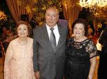 Os irmãos da aniversariante, o senador Pedro Chaves dos Santos Filho com  Elzira e Maria Jozina