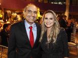 O empresário Paulo Santos e a namorada, Stella Lopes