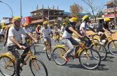 Empresas liberam espaço para funcionários guardarem as bikes