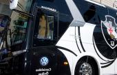 Torcida ataca ônibus do Vasco em desembarque e aumenta pressão antes de final