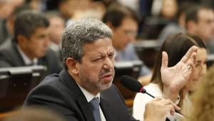 Líder do Centrão, Arthur Lira (PP-AL) foi denunciado por esquema de 'rachadinha'.