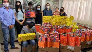 A entrega dos presentes respeitou todo o protocolo de biossegurança devido à pandemia da Covid-19