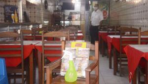 Restaurante com álcool na entrada