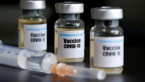 O Instituto Robert Koch afirma em comunicado divulgado nesta quinta-feira que decidiu ontem recomendar a vacina da AstraZeneca para todos os grupos de adultos, inclusive os mais velhos