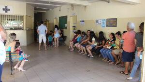 Centenas de pacientes procuraram atendimento na UBSF Iracy Coelho nesta terça-feira. (Foto: SESAU).