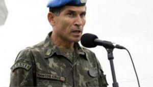 O general Carlos Alberto dos Santos Cruz, ex-ministro-chefe da Secretaria de Governo do presidente Jair Bolsonaro, é uma das mais importantes vítimas das fake news.