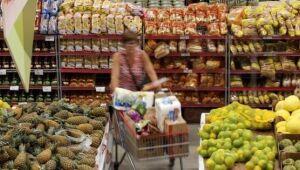 A cesta de produtos básicos consumidos pela população no Brasil ficou mais cara em oito capitais e mais barata em nove localidades, conforme a Pesquisa Nacional da Cesta Básica de Alimentos do Departamento Intersindical de Estatísticas e Estudos Socioecon