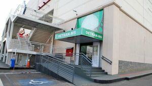 A partir desta quarta-feira, dia 5, o Detran-MS (Departamento Estadual de Trânsito) amplia o horário de atendimento presencial nas agências dos Shoppings Campo Grande e Bosque dos Ipês