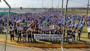 Acordo foi feito em conjunto com o Sindicato dos Metalúrgicos da Grande Curitiba, nesta segunda-feira (10). Fabricante havia justificado as demissões pelo agravamento da crise gerada pela Covid-19.