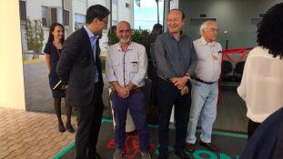 Superintendente da Santa Casa com conselheiros e vice-presidente durante inauguração