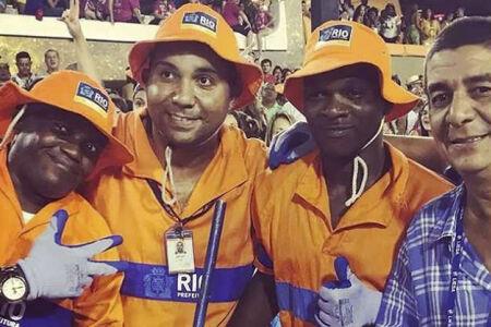 Na segunda-feira, 12, Zeca Pagodinho participou do desfile da escola de samba Portela, na Marquês de Sapucaí, no Rio de Janeiro