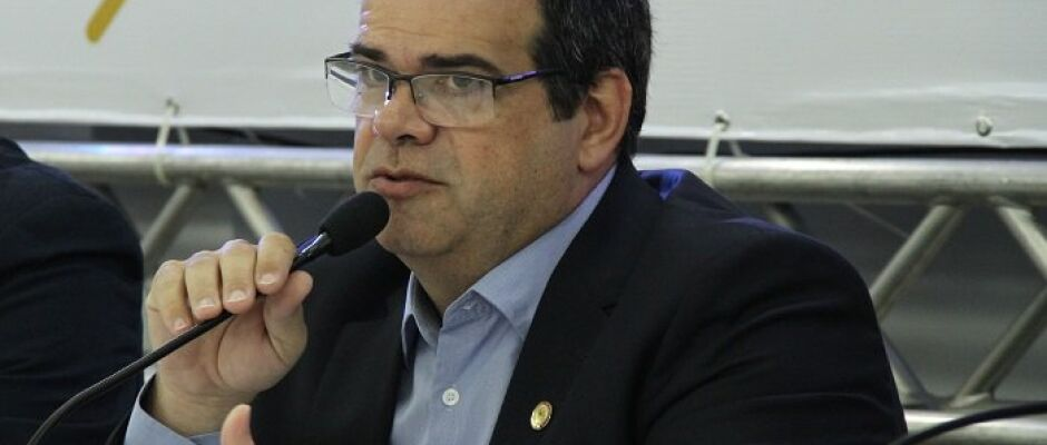 """CFO utilizará todos recursos jurídicos para garantir direito do dentista de aplicar botox"", afirma presidente"