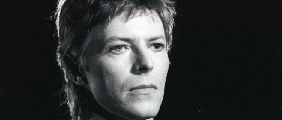 Artistas brasileiros se reúnem em show de tributo a David Bowie