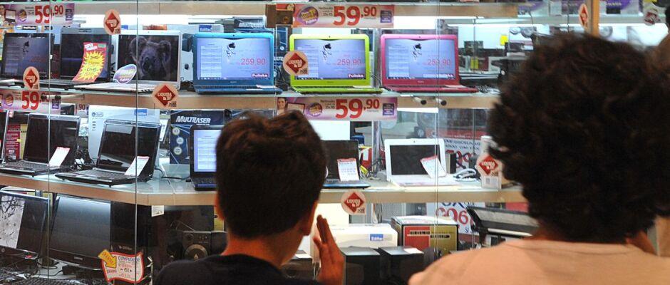 """Maioria dos leitores do portal """"A Crítica"""" não vai fazer compras de Dia dos Pais"""