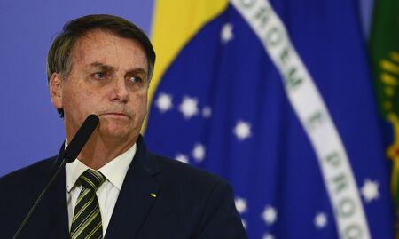 Rede vai ao STF para que Bolsonaro faça relatório semanal sobre compra de vacinas