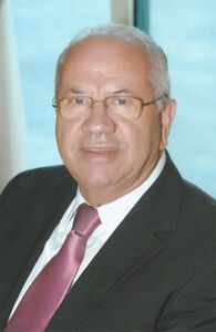 Luiz Carlos Borges da Silveira é empresário, médico e professor. Foi Ministro da Saúde e Deputado Federal