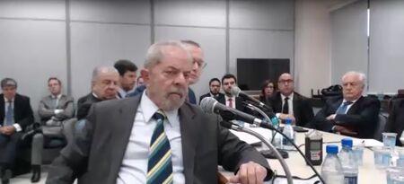 Lula durante primeiro depoimento