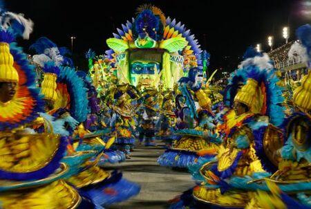 Rio de Janeiro - Desfile da União da Ilha no segundo dia de apresentações do Grupo Especial das Escolas de Samba do Rio, na Sapucaí (Tânia Rêgo/Agência Brasil)