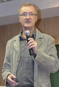 Fábio Augusto Jacob é Coronel Aviador da reserva da Força Aérea Brasileira, coordenador e professor da Academia de Ciências Aeronáuticas Positivo (ACAP) da Universidade Positivo (UP