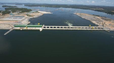 A Norte Energia chegou a fazer injeção de ar com alta pressão no tubo de sucção das turbinas para espantar os peixes, além mergulhadores que entraram nas máquinas para afugentar os peixes