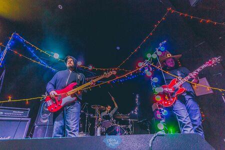 O Grito do Rock busca fomentar a cena independente musical local de onde acontece e é hoje o o maior festival colaborativo do mundo