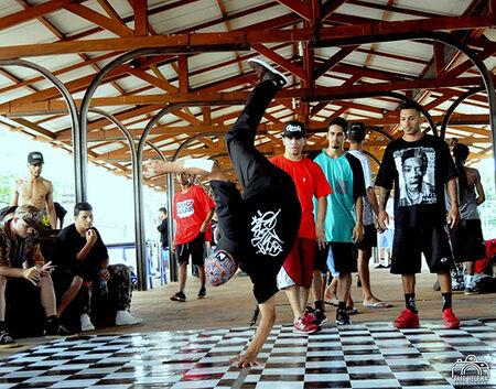 A atração de hip-hop contará com a parceria do projeto Tá em casa e Liga Breaking