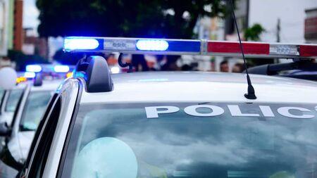Cinco pessoas, entre elas o diretor de uma rádio e um policial militar, foram mortas entre a noite de sábado, 9, e a madrugada deste domingo, 10, em cidades da fronteira do Brasil com o Paraguai