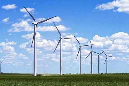 """Um no primeiro semestre, a ser implantado em quatro anos, e outro no segundo semestre, com prazo de implantação de seis anos. """"Nossa meta para a energia eólica no Brasil é crescer 2,2% ao ano."""""""