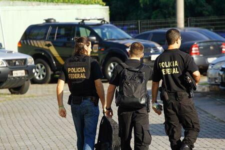 Os investigados serão indiciados pela prática de crimes de tráfico de drogas e associação para o tráfico de drogas, com penas de 3 anos a 15 anos de prisão e multa