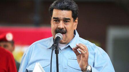 No domingo, Maduro assistiu a exercícios militares no Estado de Miranda e prometeu