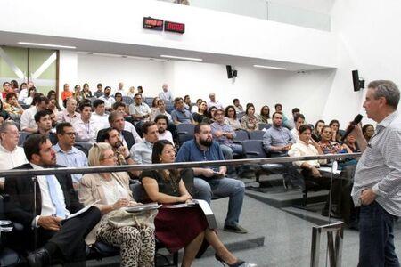 Presidente da Assembleia, deputado Paulo Corrêa (PSDB), discursa durante abertura do Segunda Legal