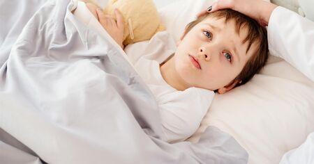 Para esses quadros é apropriado utilizar um produto antiemético, e a primeira indicação é a ondasentrona, que melhora a eficácia da terapia de reidratação oral, podendo ser usada em todos os níveis de náuseas e vômitos
