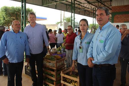 A estrutura tem capacidade para receber 35 boxes que comercializarão hortifrutigranjeiros, artesanato e alimentação, gerando cerca de 100 empregos diretos.